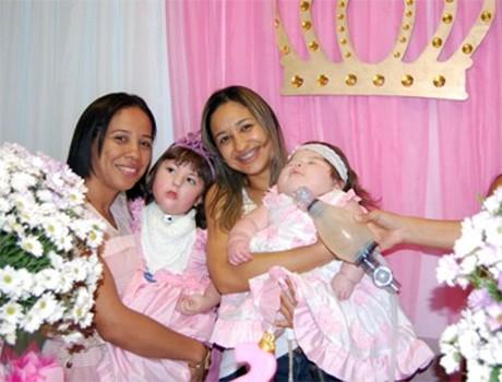 Criança internada na UTI do HUT ganha festa de aniversário