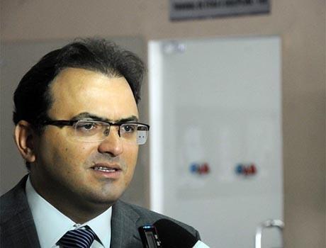 Marcus Vinicius nega que seja candidato a ministro do STF