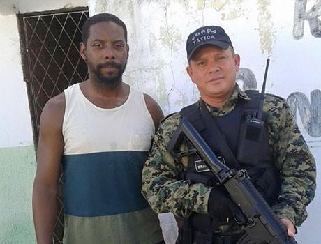 Ator negro de Tropa de Elite é abordado como suspeito por PMs de Teresina