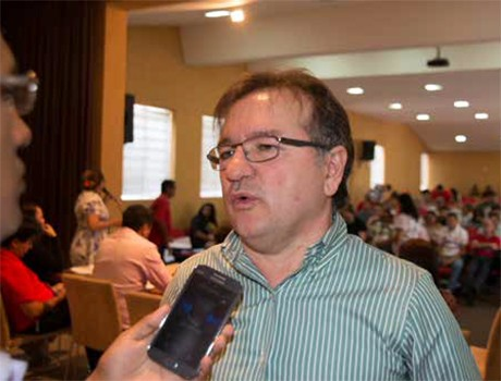 PT pode apoiar outro partido nas eleições de 2016, opina Merlong