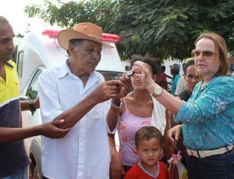 Nova ambulância beneficia moradores da zona rural de Miguel Alves