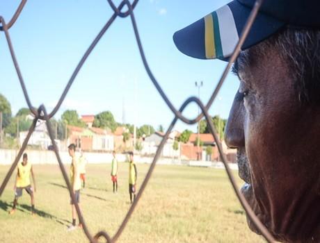 "Descobridor de Talentos: há 51 anos, "" Seu Rai"" se dedica ao esporte"