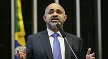 Despoluição da Baía é dever do Estado, diz ministro