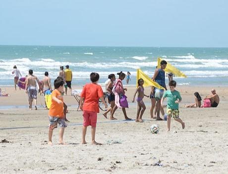 Turistas lotam hotéis e pousadas no litoral do Piauí neste feriadão