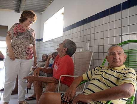 Abandono é a maior causa de acolhimento de idosos em Teresina