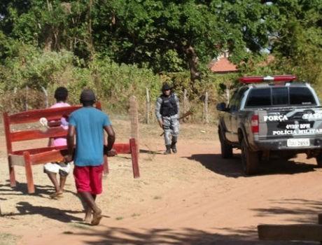 28 famílias são despejadas de terreno da prefeitura em Esperantina