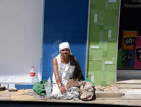 Número de pedintes nas ruas do Centro de Teresina aumenta no fim de ano