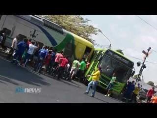 Metrô e ônibus se colidem no cruzamento da av Miguel Rosa<